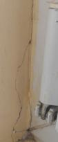 Wand am Fenster - Risse
